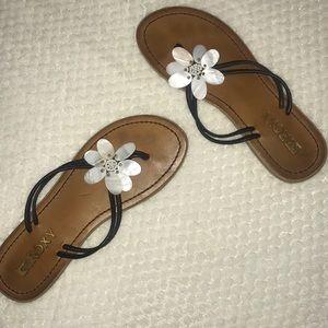 Roxy Shoes - Roxy brand flower sandals.